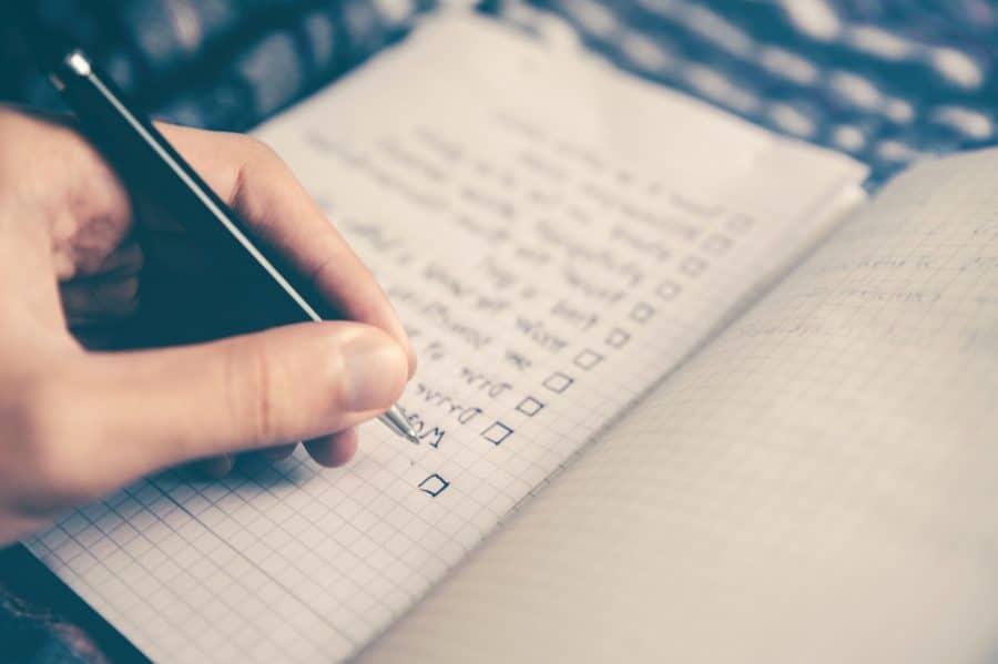 Att skriva en att göra list är bland det bästa du kan gör för att öka din produktivitet