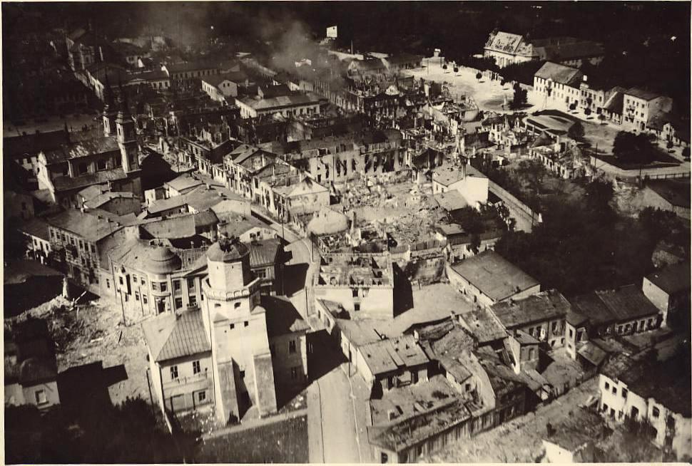 En bombad stad under andra världskriget vilket var en tid där Churchill verkligen visade sitt ledarskap